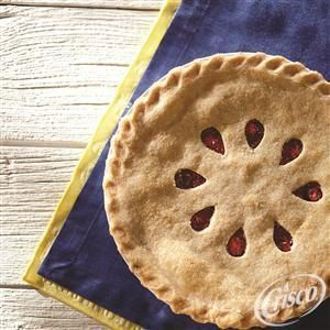 See how to make a Classic Crisco Pie Crust from Crisco® in this video!