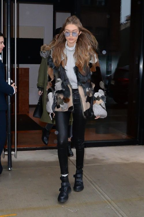 Gigi Hadid en veste en fourrure  Fashion Week automne-hiver 2017-2018