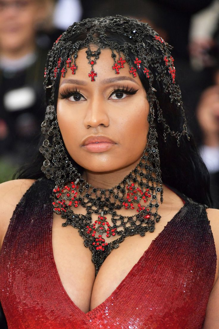 Thank The Lord For These Met Gala Beauty Looks (With