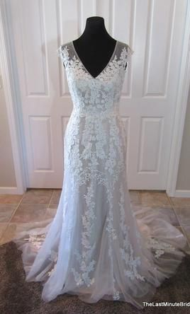 Maggie Sottero Lucinda: buy this dress for a fraction of the salon price on PreOwnedWeddingDresses.com