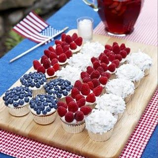4th of July flag cupcake idea: July Cupcakes, Holiday, Flag Cupcake, Idea, Food, 4Th Of July, July 4Th, Dessert