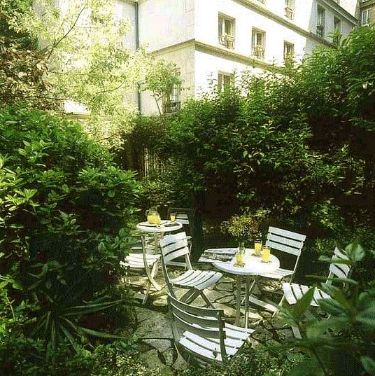 17 best images about paris jardins secrets on pinterest for Photo jardin contemporain particulier
