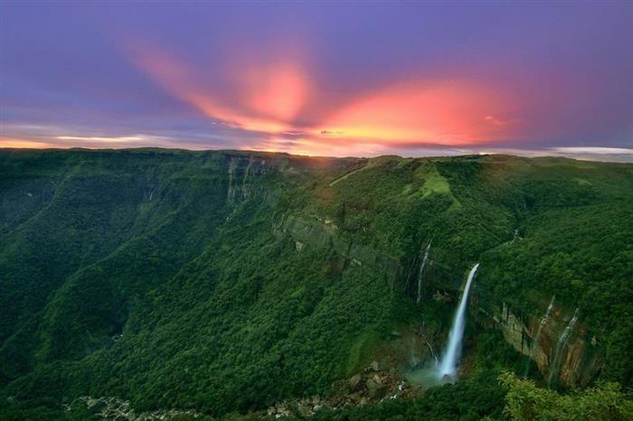 Cascadas y cataratasCataratas Nohkalikai, India