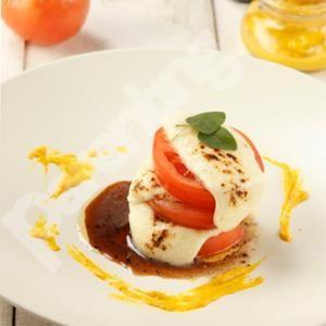 7 ide makanan berbahan tomat ini bisa Mama praktikkan di rumah untuk disajikan pada anak.