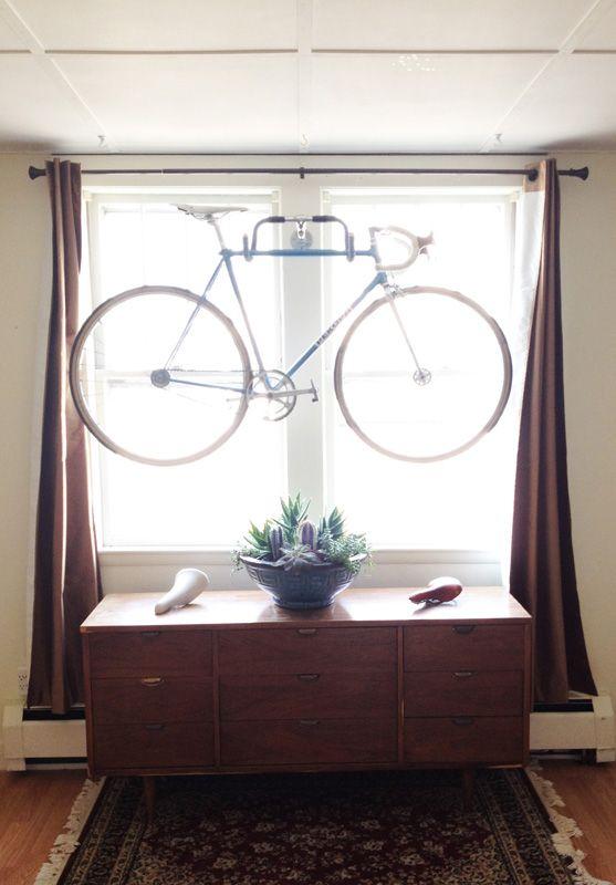 Easy DIY bike hanger: Bike Hangers, Idea, Diy Wall, Old Bike, Bike Racks, Handlebar Bike, Small Spaces, Diy Bike, Wall Bike