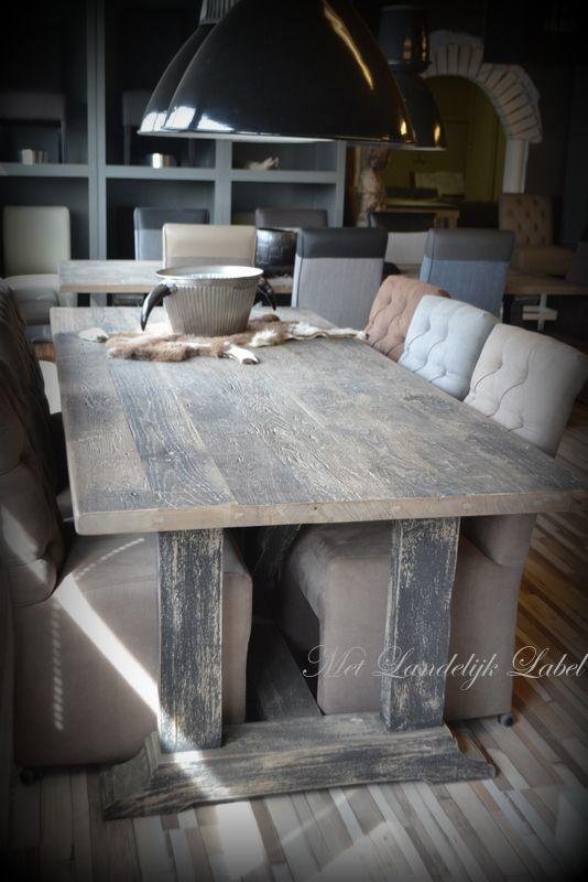 Stoere eettafels met een EIKEN bovenblad gemaakt van oude wagondelen. Prachtige robuuste en doorleefde tafels. WWW.METLANDELIJKLABEL.NL