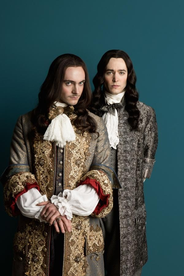 George Blagden as King Louis XIV and Alexander Vlahos as Philippe, Duke of Orleans in VERSAILLES
