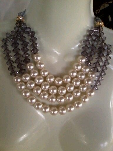 Collar con perlas
