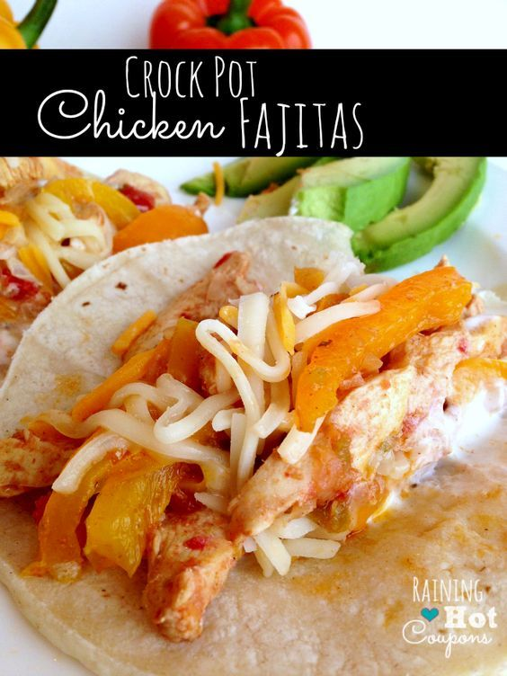 Crockpot chicken fajitas! I think this is the perfect Spring Dinner Recipe. Easy to make and delicious. Click through for the recipe.. Raining Hot Coupons