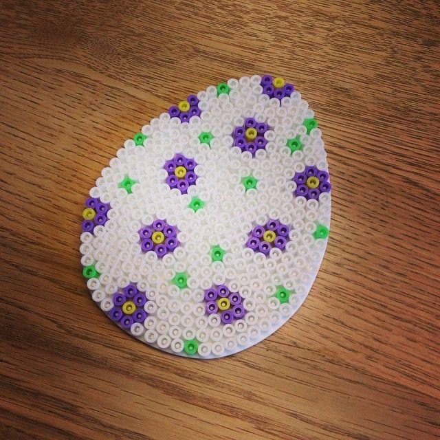 Easter egg hama beads by madmedhjertet