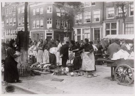 Markt op de Lindengracht in 1910. Op de achtergrond Lindengracht