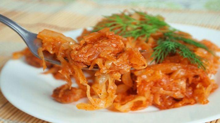 Капуста в томатном соке на зиму в домашних условиях,, получается всегда очень вкусной и аппетитной, за столом уплетается за обе щеки!