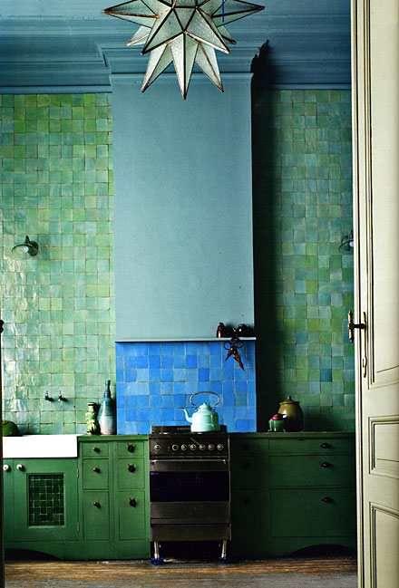 groene kleur keukenkasten + zelliges
