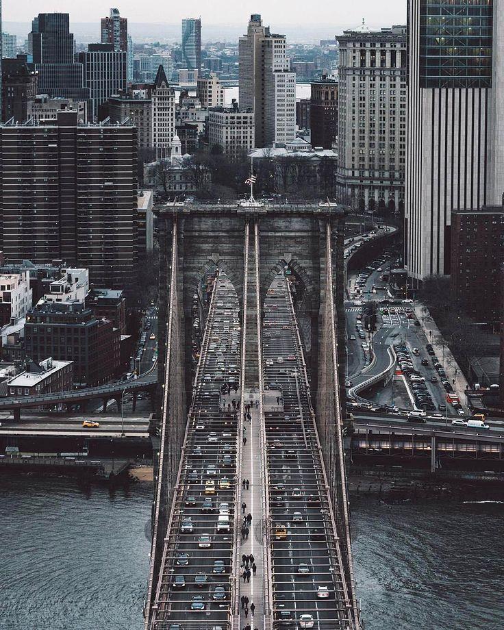Brooklyn Bridge http://www.jetradar.fr/cities/montreal-ymq?marker=126022.pinterest