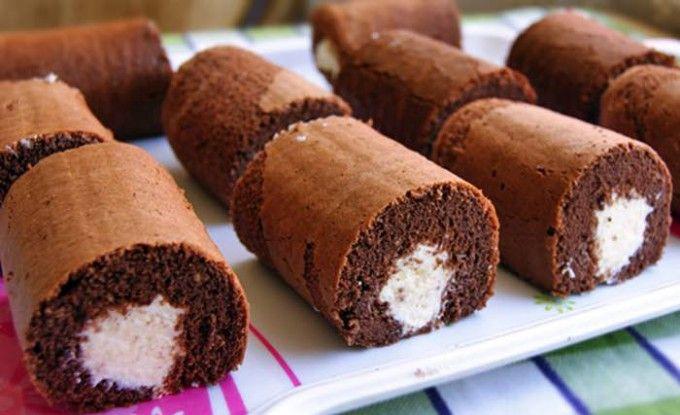Kakaové dortíky s tvarohovým krémem | NejRecept.cz