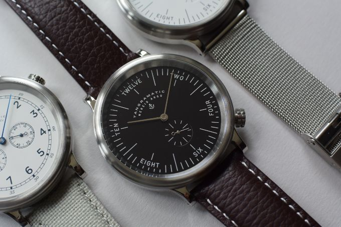 The 19th-century sailor's deck watch in classic and Bauhaus style. Fully automatic with sapphire crystal