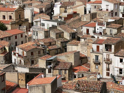 Crowded homes (Gratteri, Sicily)