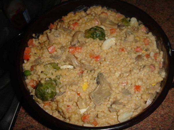 Tarhoňový šalát so šampiňónmi - Recept pre každého kuchára, množstvo receptov pre pečenie a varenie. Recepty pre chutný život. Slovenské jedlá a medzinárodná kuchyňa