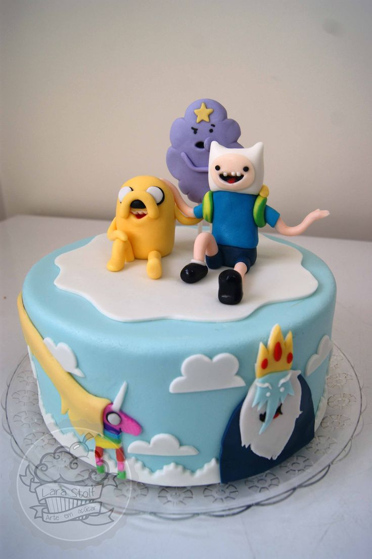 Adventure Time cake with edible decorations. Bolo Hora da Aventura