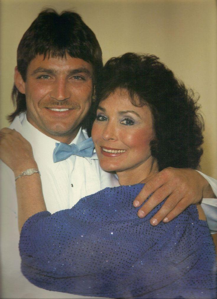 Loretta Lynn And Children | Ernest Ray Lynn And His Mama - Loretta Lynn Fan Website