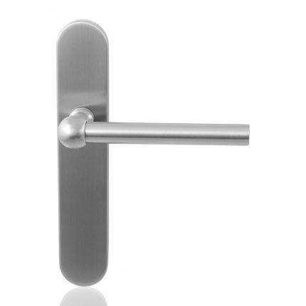 GPF3050.20 Hipi deurkruk op langschild. Een vleugje nostalgie uit de jaren 30, gecombineerd met moderne lijnen en materialen!