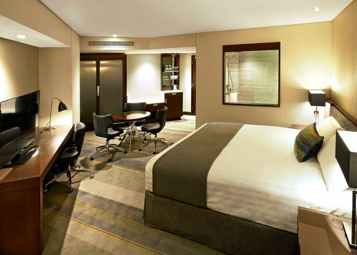 A spacious new King Deluxe Executive Guestroom.
