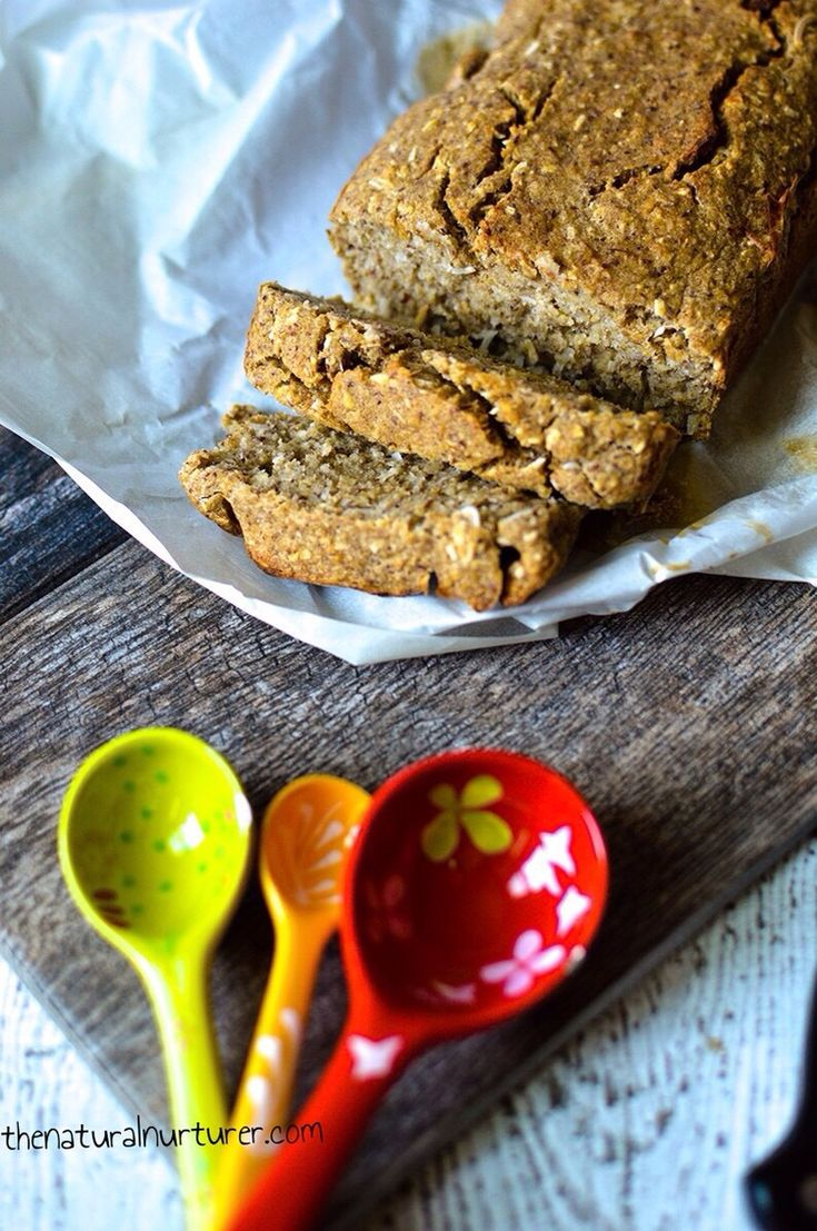 Banana bread - oil free, refined sugar free, and vegan. Healthy! From thenaturalnurturer.com