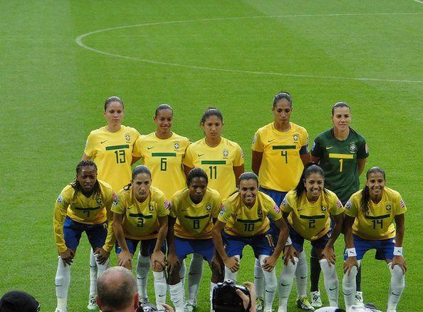 Rumo às oitavas de final da Copa do Mundo de Futebol Feminino, que acontece no Canadá, a seleção brasileira volta a campo nesta quarta-feira, às 20h, quando enfrenta a Costa Rica. Para dar uma força às meninas da seleção, o Catraca Livre destaca cinco motivos para você não perder a Copa do Mundo: