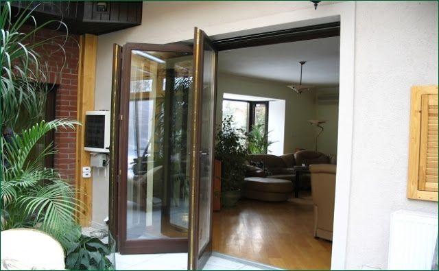 Drzwi tarasowe harmonijkowe - http://oknadrzwiogrodyzimowe.blogspot.com/2015/09/drzwi-tarasowe-przeglad-sytemow.html