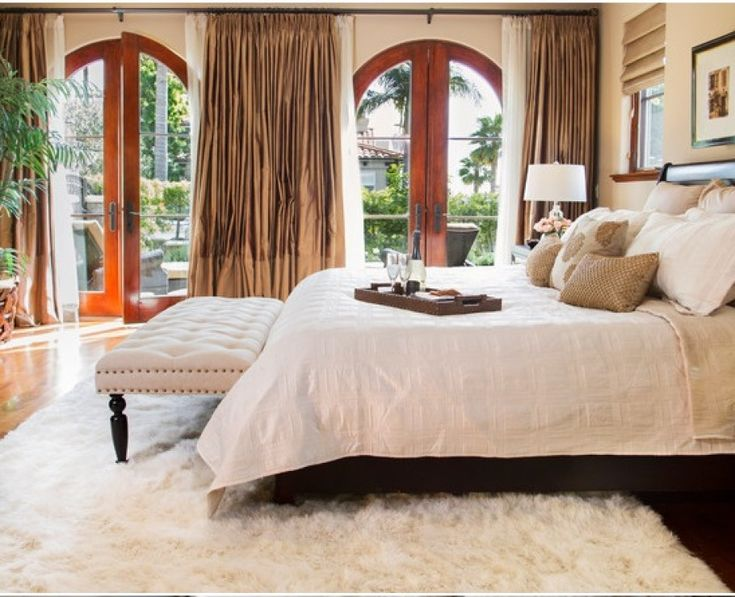 bedroom-white-shaggy-rug