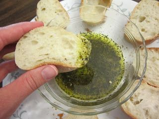 Mix It Up: Pesto Bread Dipping Oil Mix