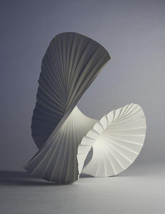 Danse des voiles, paon faisant la roue... Imagine. / Paper Art. / By Richard…