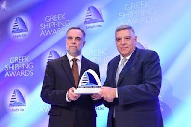 Στο πλαίσιο της μεγάλης ναυτιλιακής εκδήλωσης των Greek Shipping Awards που διοργανώνονται ετησίως από τη Lloyd's List, το Πανεπιστήμιο Αιγαίου έλαβε στις αρχές Δεκεμβρίου 2015 το Βραβείο στην κατη…