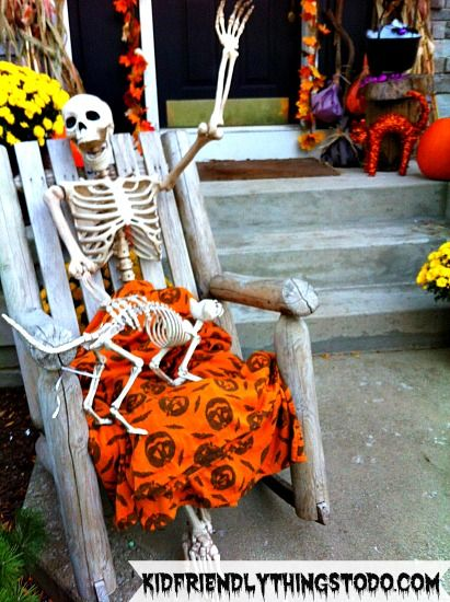 A Skeleton Display For Halloween - Kid Friendly Things To Do .com | Kid Friendly Things to Do.com - Crafts, Recipes, Fun Foods, Party Ideas, DIY, Home & Garden
