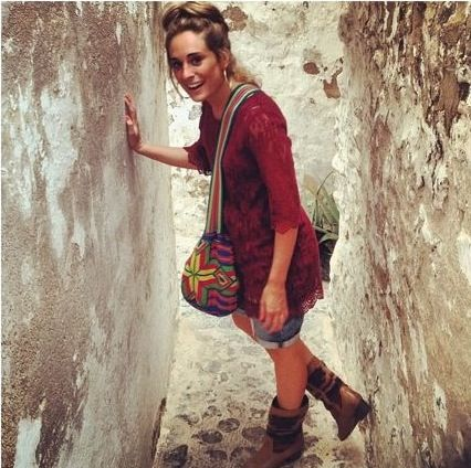 Exploring with My Mochila by Isabelli