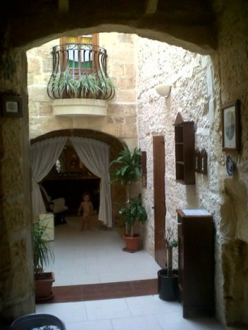 900 E/mo - Naxxar Malta Villas, Malta Accommodation, Villas in Malta, Gozo Farmhouses, Apartments Malta