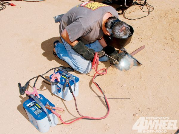 131 1104 Portable Welder Shootout Battery Power 101 rick Pewe And Batteries Photo 31931929