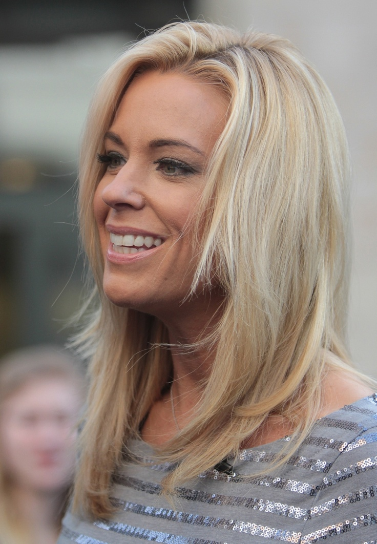 She's a major bitch, but i always thought Kate Gosselin was gorgeous. Always.