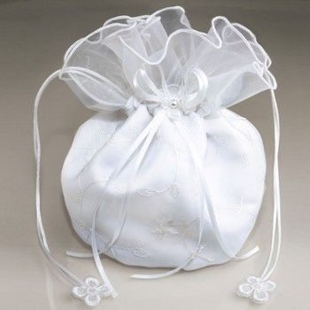Adorable drawstring First Communion purse! #Catholic #Communion #purse