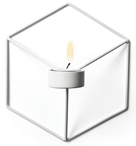 POV lysestake er designet av Note for Menu. 21,6 x 19 x 10 cm, pulverlakkert stål.