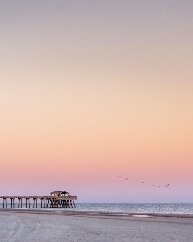 Pastel pink sunset sky over the Tybee Pier. sunset Savannah, sunset Savannah Georgia, sunset river, sunset Moon River, sunset live oak, sunset oak tree, sunset marsh, sunset, sunsets, beach sunset, sunset ocean, sunset photography, sunset pictures, sunset sky, sunset beautiful, sunset background, Cielo atardecer, lowcountry living, lowcountry marsh, lowcountry lifestyle, lowcountry savannah georgia, Tybee Island sunset, Tybee Island pier
