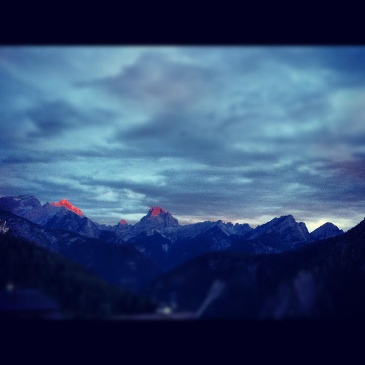 A che ora è la fine del mondo? #sunset #cadore #belluno #dolomiti