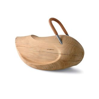 Pininfarina Giulia Big: Graceful rocking horse made of natural wood with a leather covered handle.