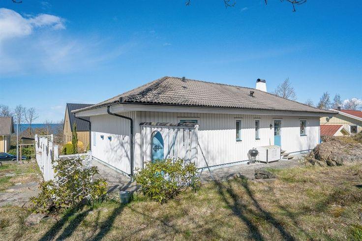 Friliggande villa, Skipås, Klockljungsvägen 2, Steninge