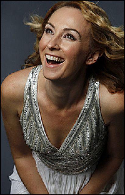 Lisa McCune  - mezzo sopran