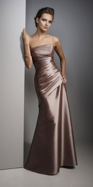 Here is a beautiful bridesmaid dress that breaks all tradition!
