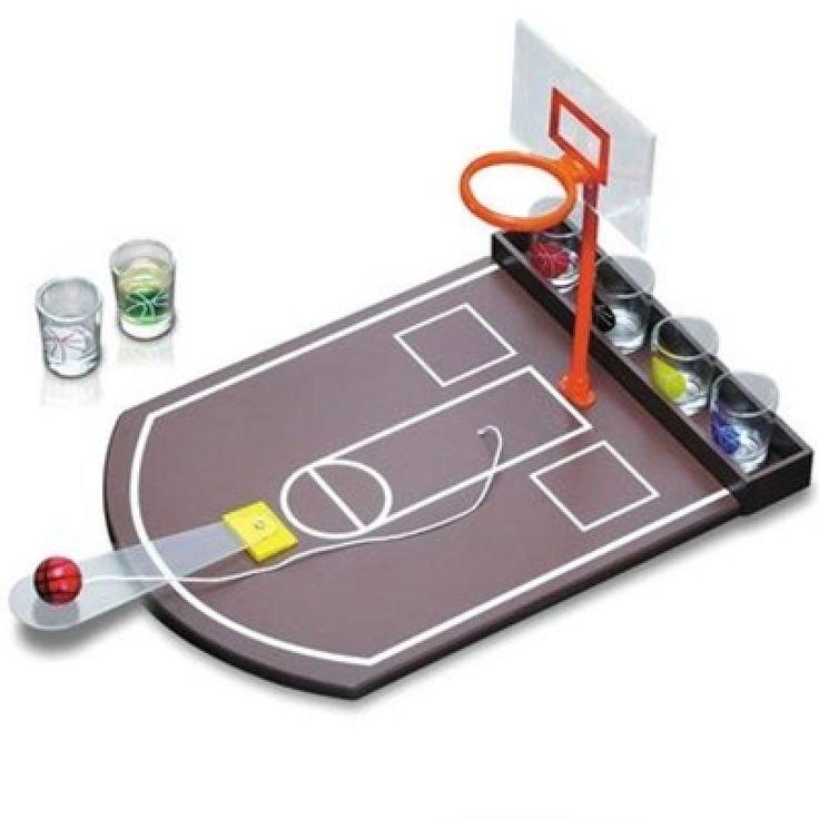 Ajándék Ötlet Mindenkinek:Ajándék Férfiaknak! Mini kosárlabda party játék!Na ki dob több kosarat? -6 db feles pohárral Kiváló ajándék kosárlabda rajongóknak! Játékszabály:Ha elsőre betaláltál, akkor meg kell nevezned egy másik játékost, ...