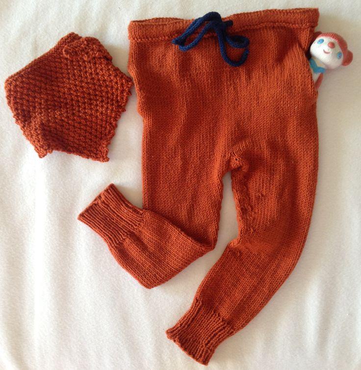 Rust - jeg simpelthen elsker den fargen drops har laget til sitt cottonmerino garn. Da jeg så marieljo (instagram) sin versjon av simpelthen bukse i denne fargen kunne jeg ikke annet enn å herme. A...