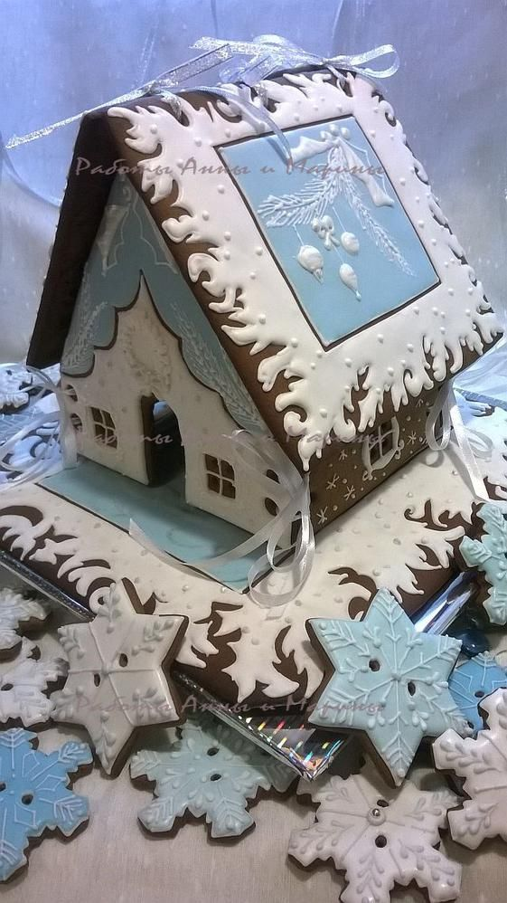 "Beautiful winter gingerbread house in white and blue"" by maro, posted on Cookie Connection"