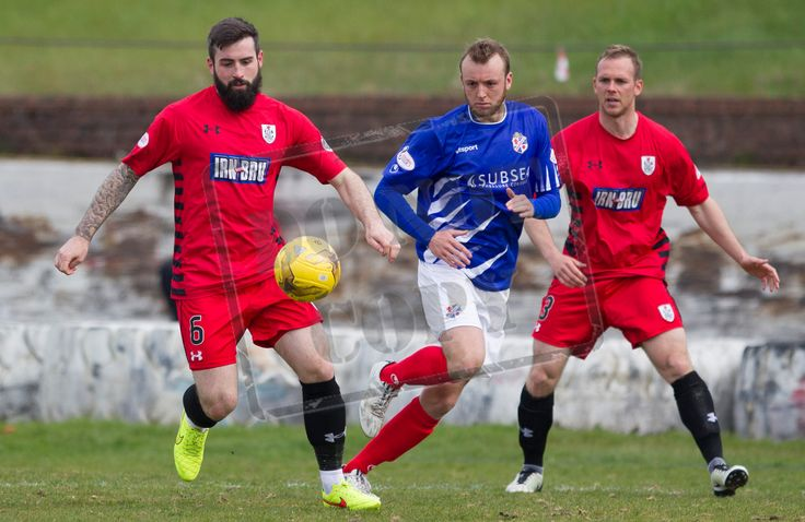 Queen's Park's Bryan Wharton on the ball during the SPFL League One play-off game between Cowdenbeath and Queen's Park.